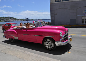 Автомобили на улицах Гаваны