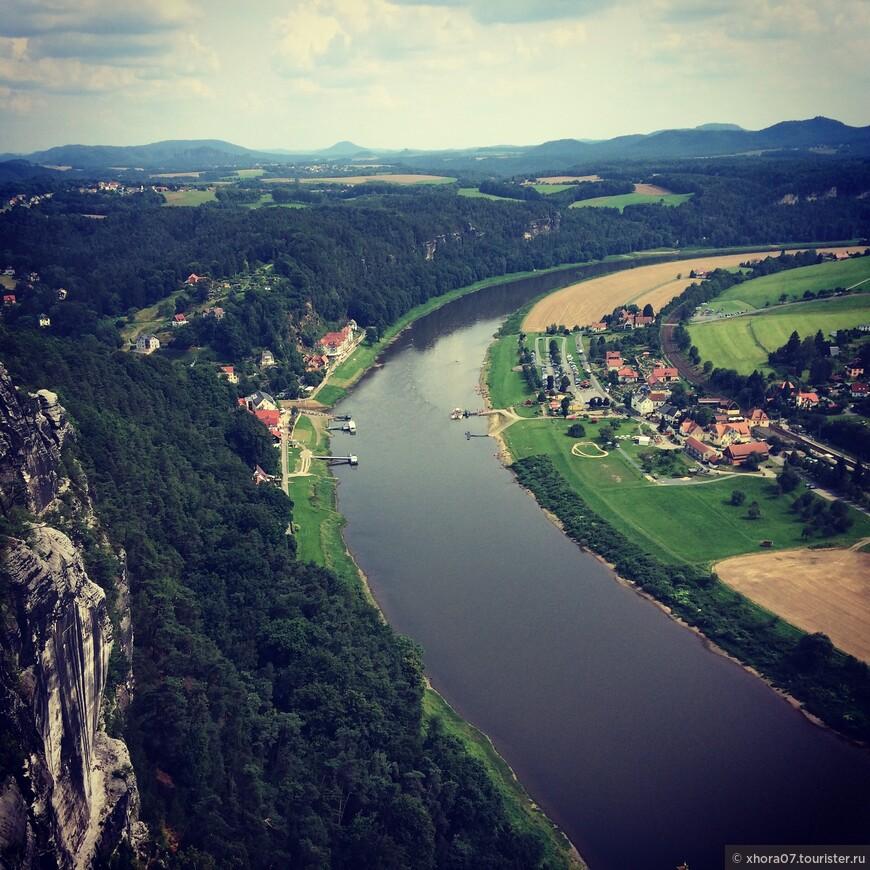 """Вид с скального образования """"Бастай"""" , Саксонская Швейцария , Саксония ."""