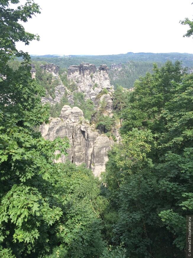 """Вид на Саксонскую Швейцарию , которая когда то называлась """"Майсенское плато"""""""