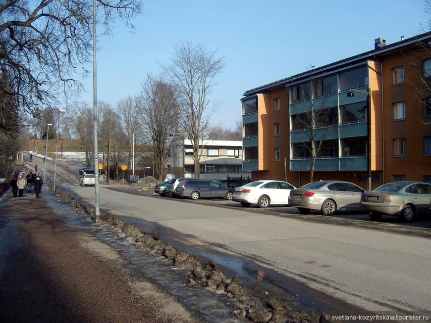 Финское и шведское название города, как и некоторых других городов Финляндии, различны. Финское название состоит из двух слов «lappeen» (генитив от Lappee) и «ranta» (берег). Шведское название также состоит из двух слов «vildman» (дикарь) и «strand» (берег), что можно перевести как «дикий берег» или «берег дикаря». Название отражено в городском гербе, где изображён дикарь. Шведское название города в основном историческое — в силу почти полного отсутствия шведов в юго-восточной Финляндии в обиходе не употребляется.