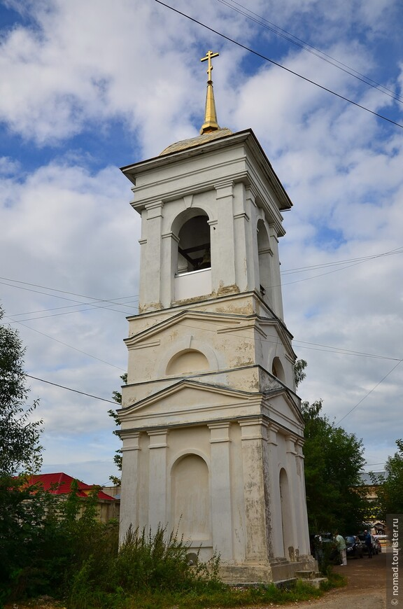 Церковь Иконы Божией Матери Боголюбской. Колокольня церкви.