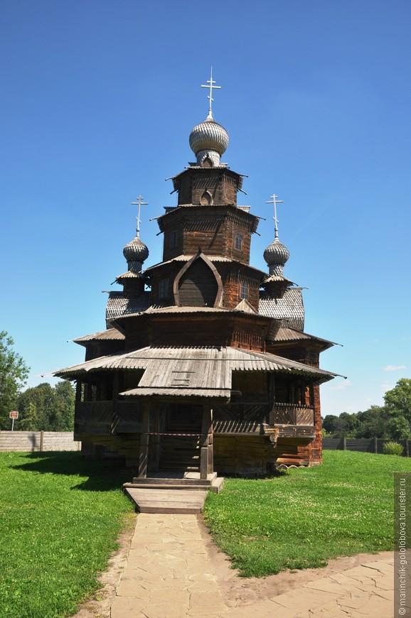 Музей деревянного зодчества. Обязателен для посещения)))