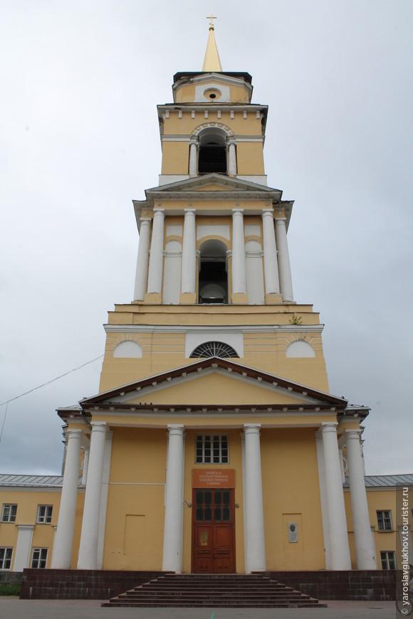 Колокольня Спасо-Преображенского Кафедрального собора.