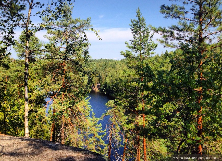Вид на озеро Haukkalampi (Щучье озеро ) .