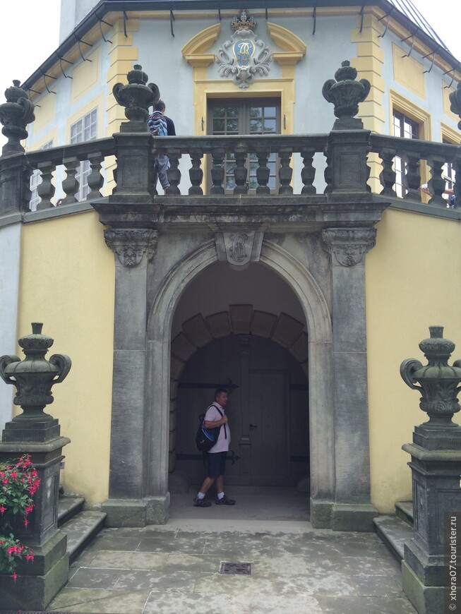 Центральный вход в барочный павильон . Крепость Кёнигштайн , Саксония , Германия .