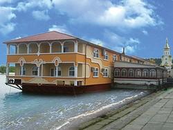 В Норвегии появится отель на воде