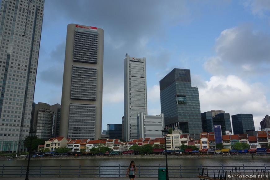 Интерсно смотрится сочетания старых домов эпохи колонии и современных небоскрёбов.