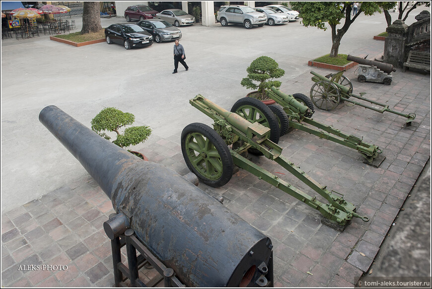 Принято считать, что Вьетнам в 20 веке одержал три победы. Над Францией, Америкой и Китаем. В любом случае, героизм вьетнамцев просто потрясает. Как они смогли выстоять перед столькими вмешательствами извне?