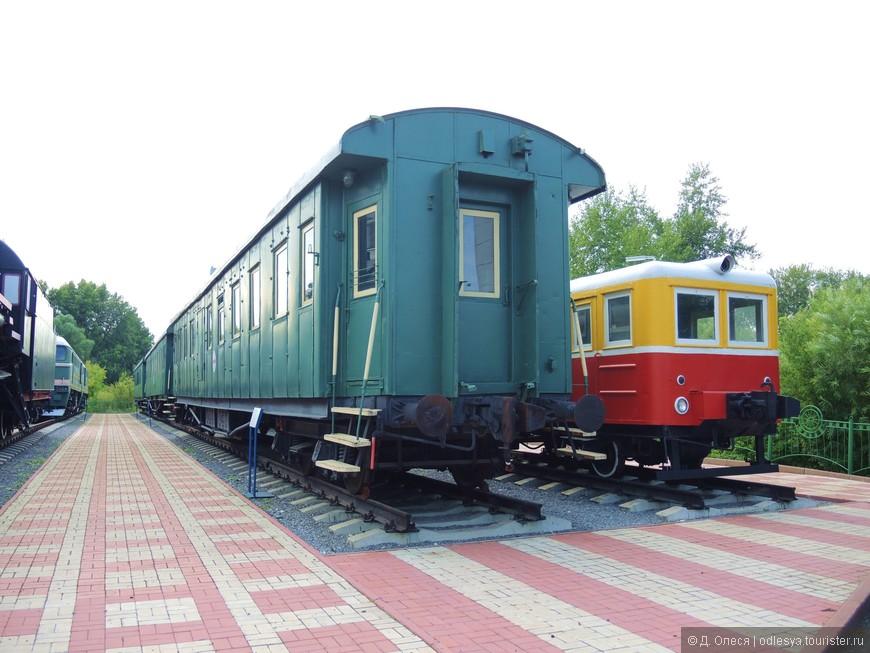 санитарный поезд и дрезина