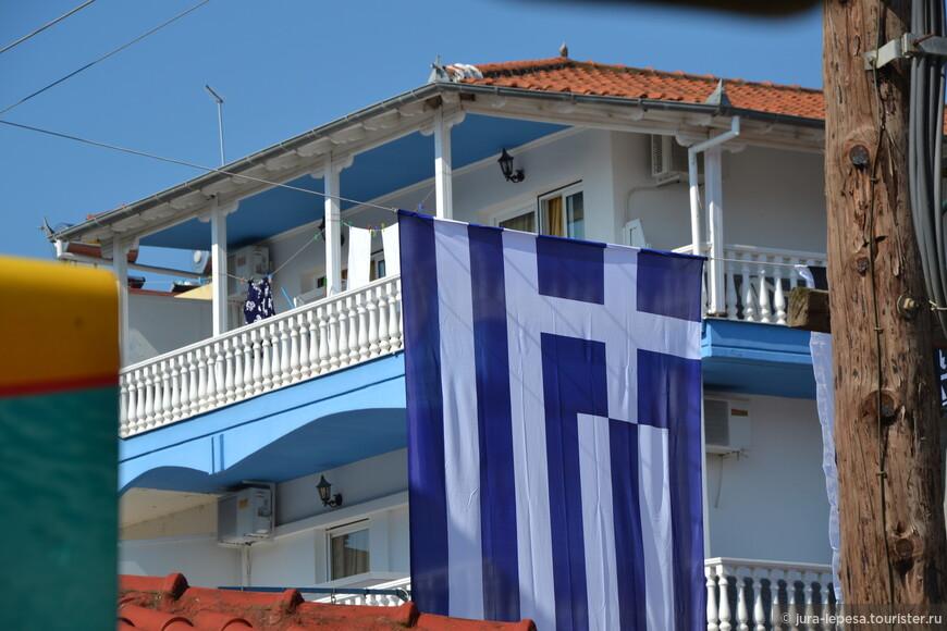 Флаг Греции и его цвета, остаются неизменными со времен греческой революции, которая произошла 25 марта 1821 года.