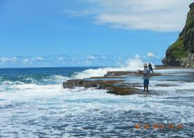 рыбаки  в Традиционной рыбацкой бухте на кромке рифа