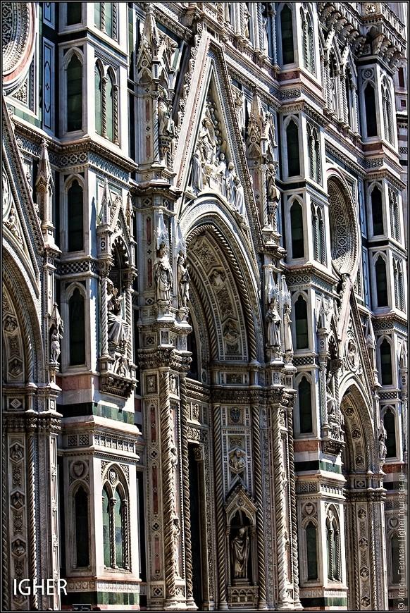 но флорентийцы тоже строят долго :)))  в смысле что нынешний фасад был сделан лишь в 1887 году