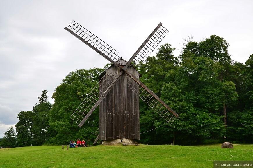 Ветряк Натси. Впечатляющий двухэтажный ветряк из Ляэнемаа перемалывал муку для нужд двух деревень.