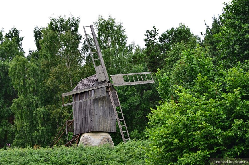 Ветряки с островов. Ветряки принадлежали разным семьям. Их устанавливали рядом на холме, открытым всем ветрам.
