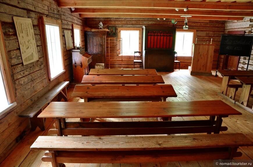 Школа из деревни Куйе. Классная комната.