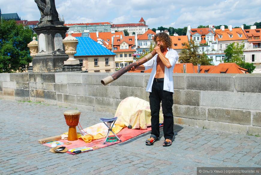 Музыкант на Карловом мосту