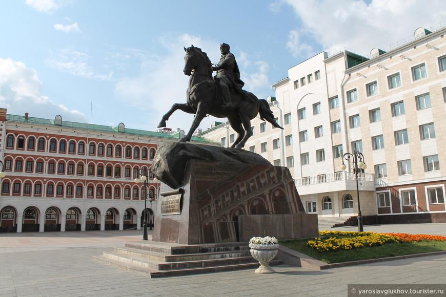 Памятник И.А. Оболенскому-Ноготкову.