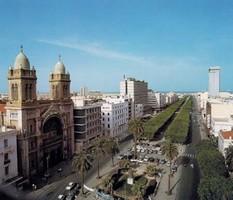 Власти Туниса установили налог на выезд