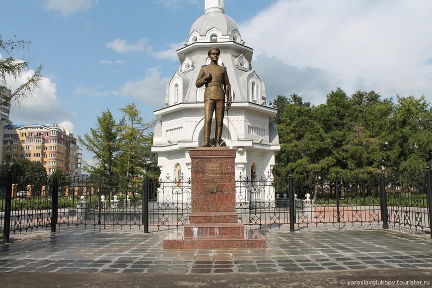 Памятник А.Е. Котомкину (Савинскому).