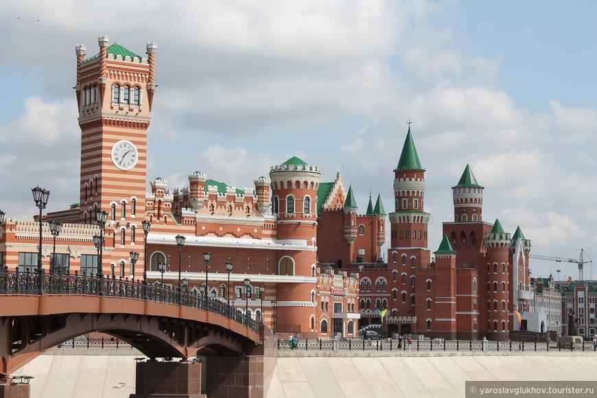 Вид на здания Патриаршей площади..jpg