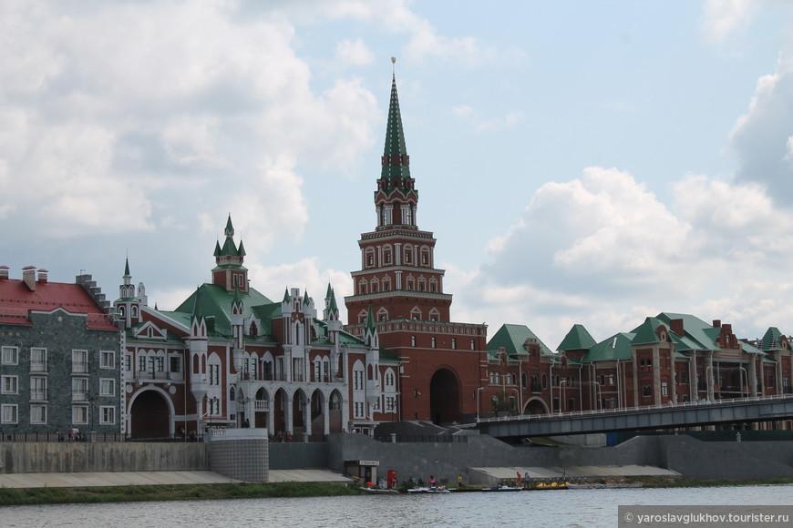 Спасская башня и набережная Брюгге.