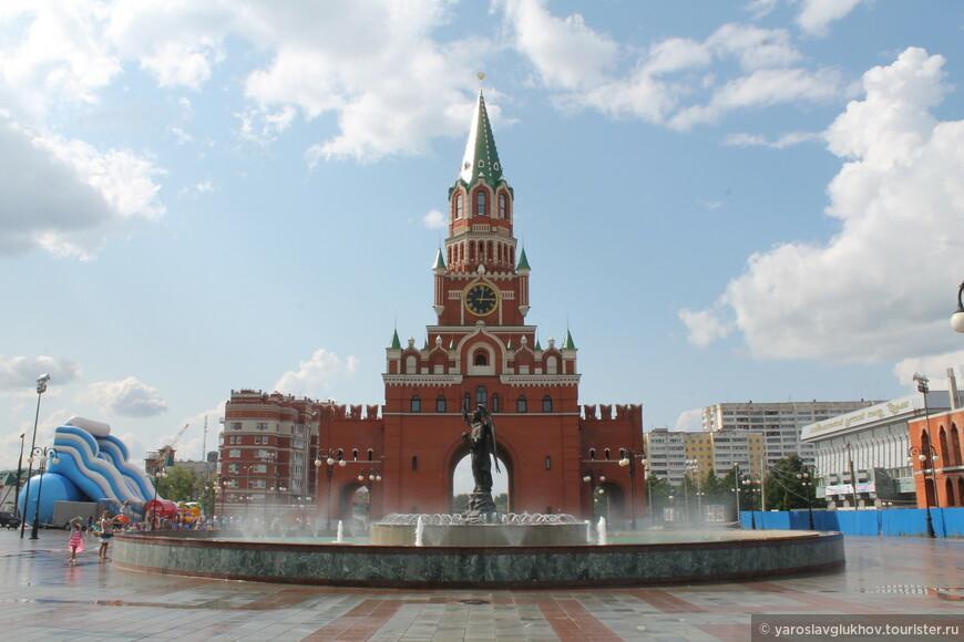 Благовещенская башня.
