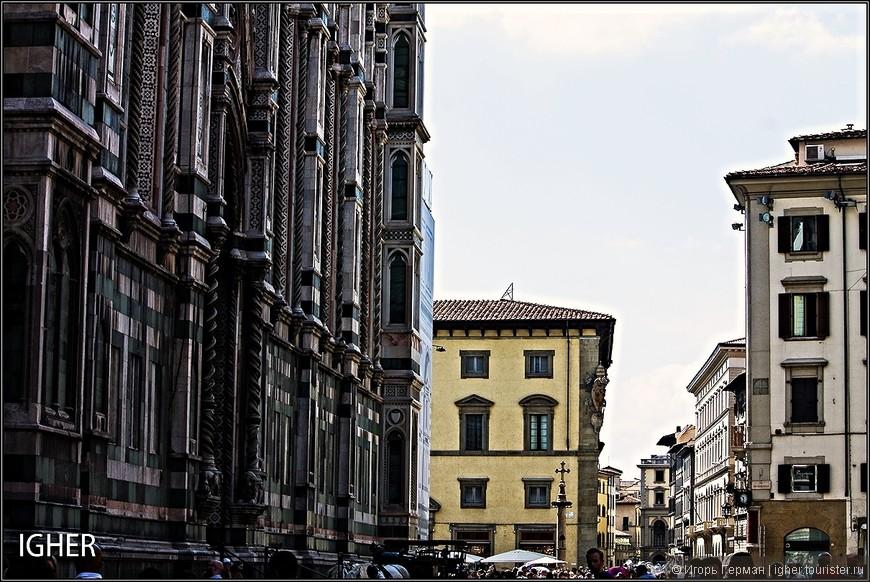 видны во Флоренции издалека,что по моему очень даже здорово...