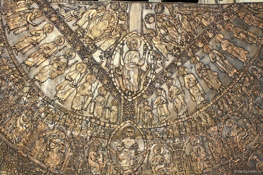 Фрагмент руин церкви Марии Магдалины.