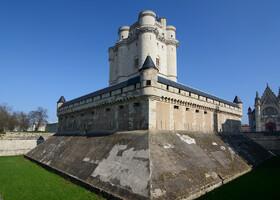 Венсенский замок, Париж