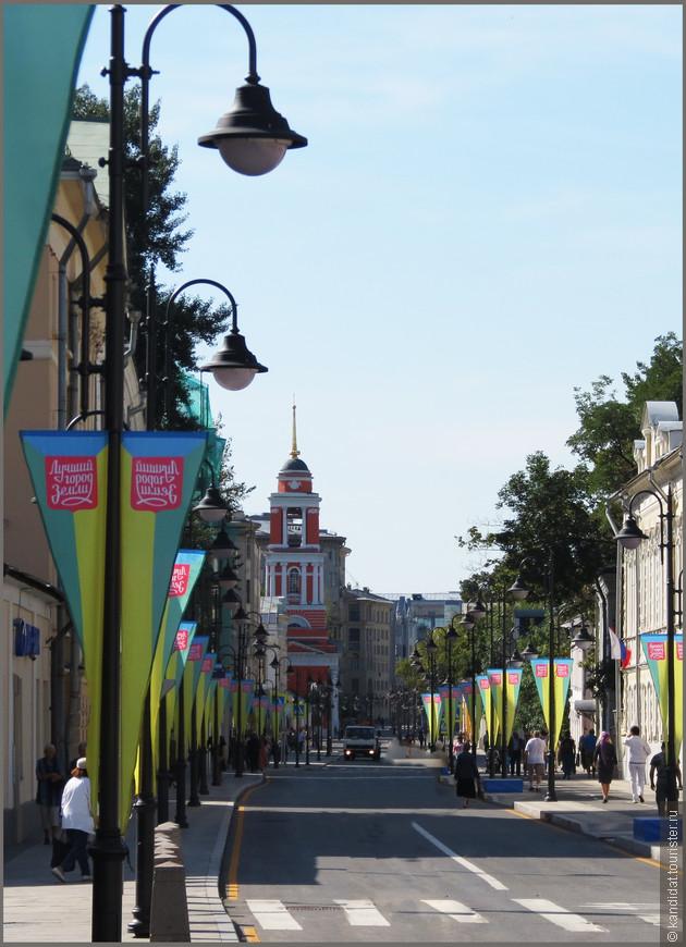 Появилась эта улица как тракт, по которому купцы приезжали в Москву.