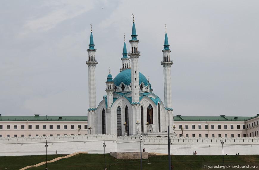 Вид на мечеть Кул Шариф.