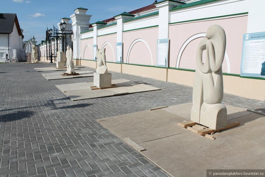 Необычные скульптуры.