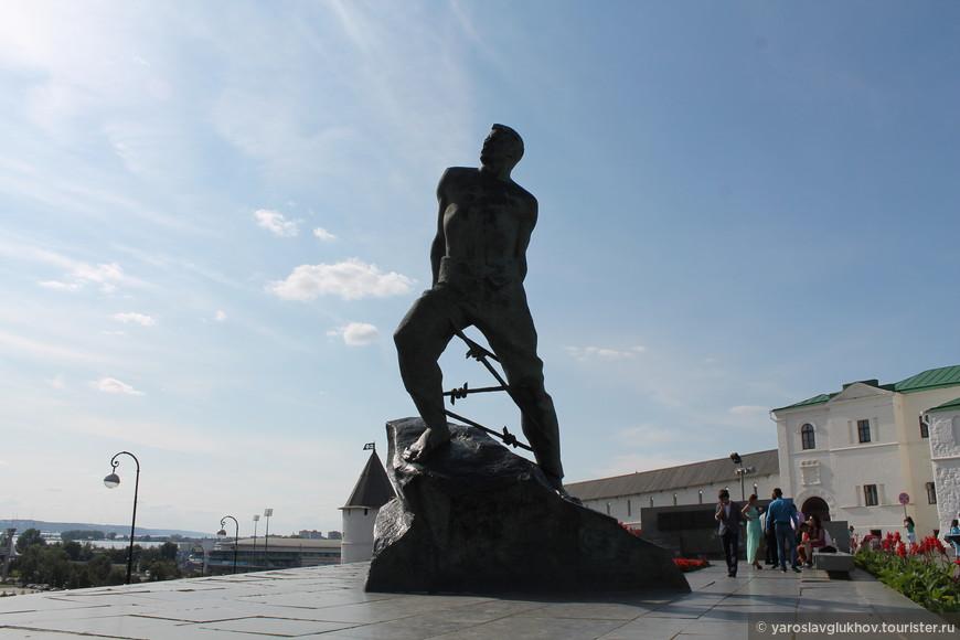 Памятник Мусе Джалилю.