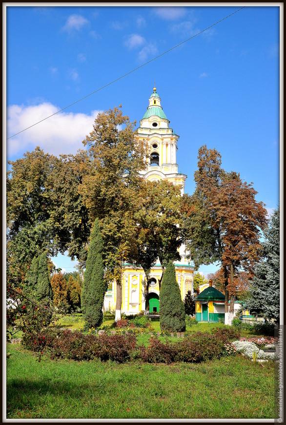 На фото — Троицкая звонница XVIII столетия