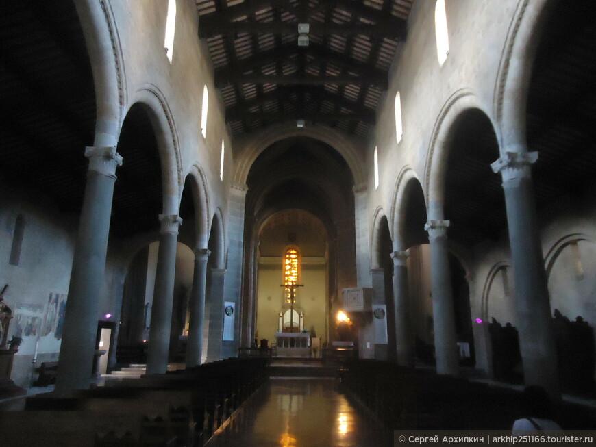 В церкви Святого Андрея в Орвието (15 век)