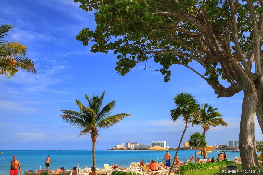 Небо в Канкуне невероятно голубое, море - теплое, а песок прохладный даже в знойный полдень...