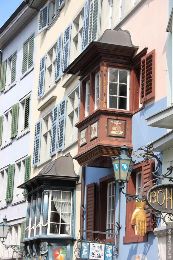 вот бы иметь квартирку с таким балкончиком , ну, или, хотя бы, такой балкончик
