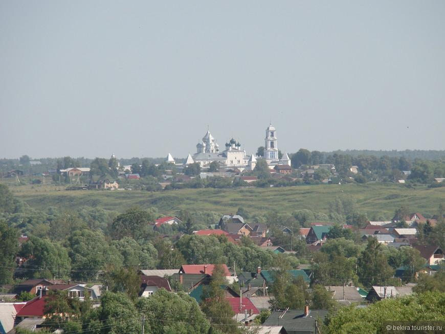 С первых веков своей истории Переславль входил в число крупнейших центров русского православия и славился своими монастырями.