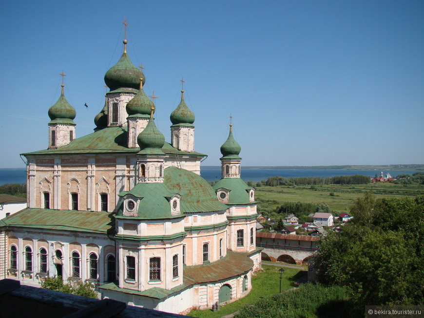 Успенский собор горицкого монастыря построен в середине XVIII века.