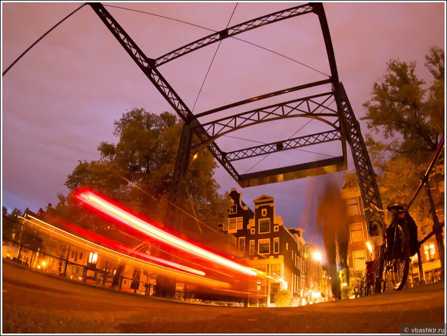 Вечером на Оранжевом мосту