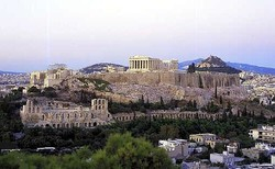 Греческий отель приглашает на каток с видом на Акрополь