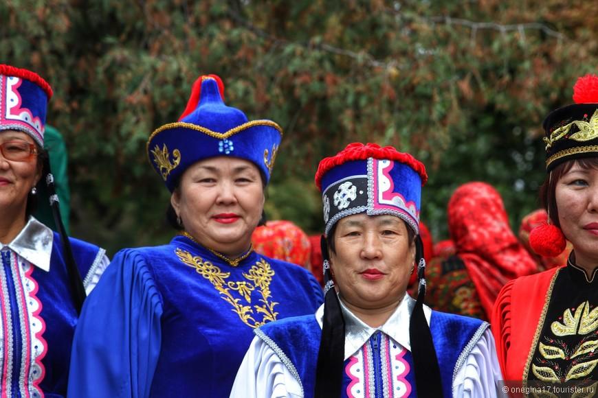 Гости из Башкирии привезли песни, танцы, сувениры.