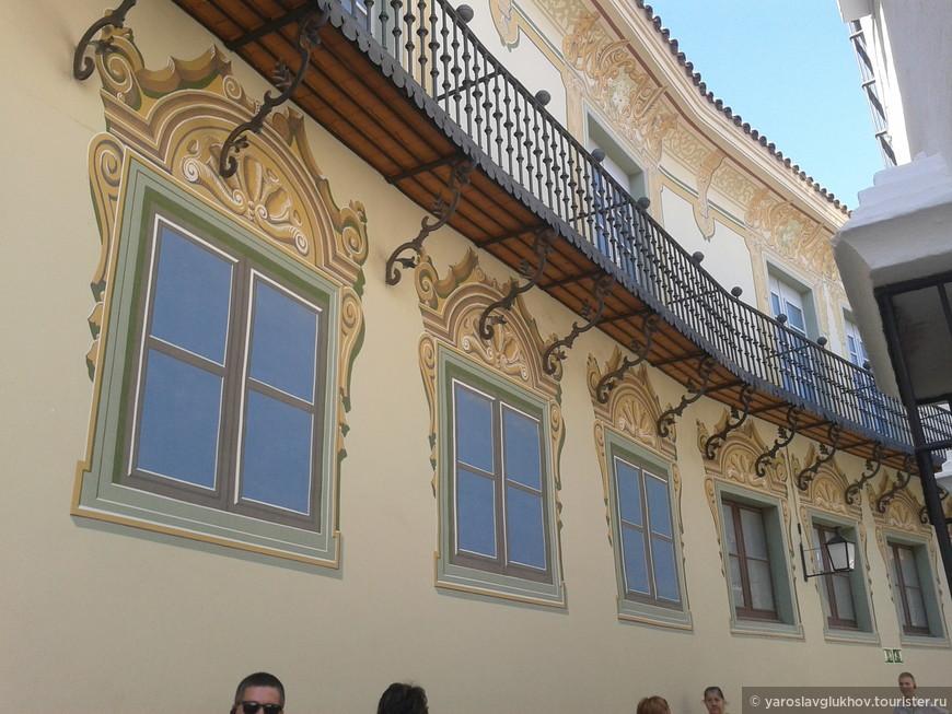 Один из домов с нарисованными окнами: тогда был налог на солнечный свет.