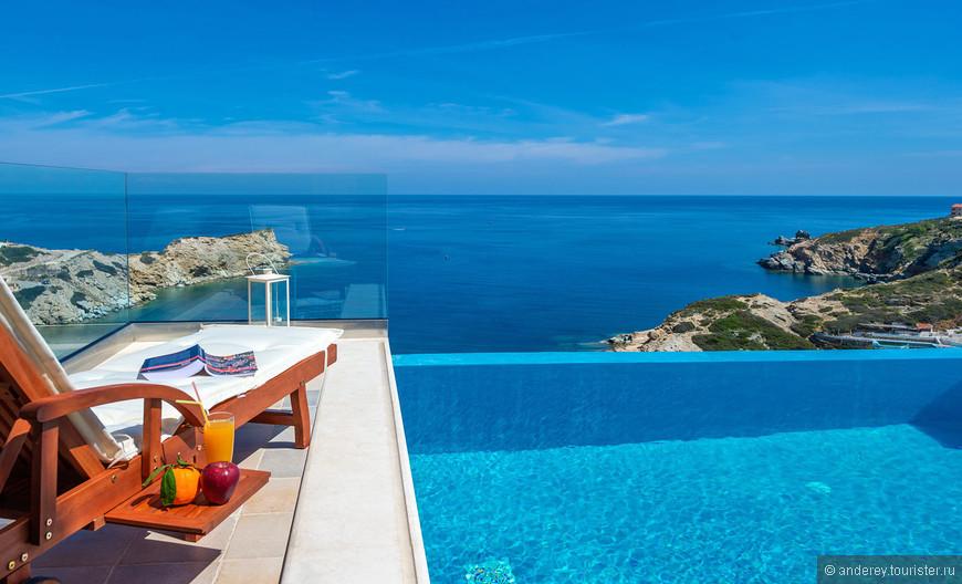 Вот эта красотища (фото с сайта TheHotel.gr) виллы в Лигурии, рядом с Ираклионом нас и приворожила