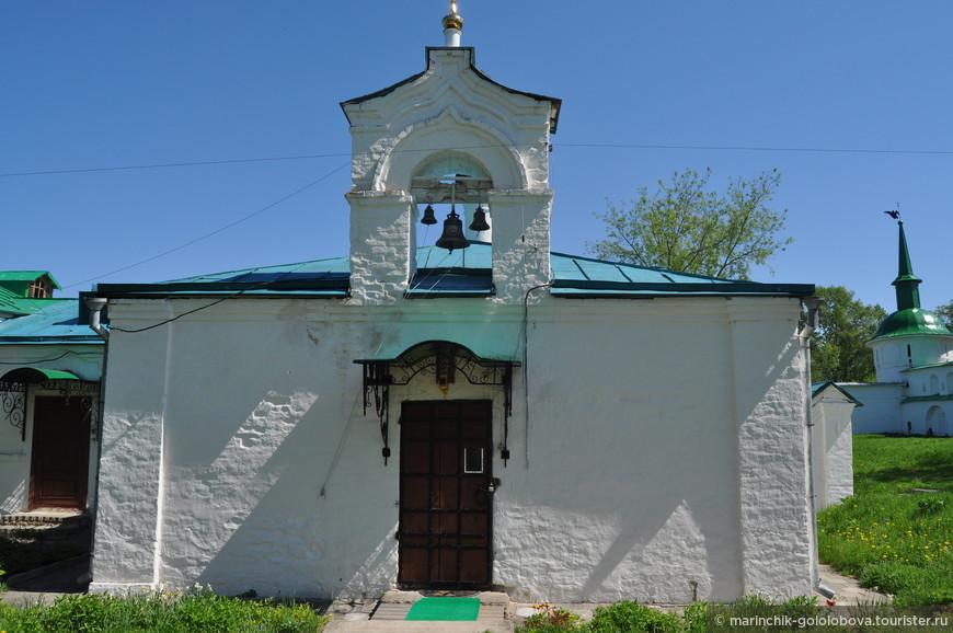 Сретенская церковь и Больничный корпус