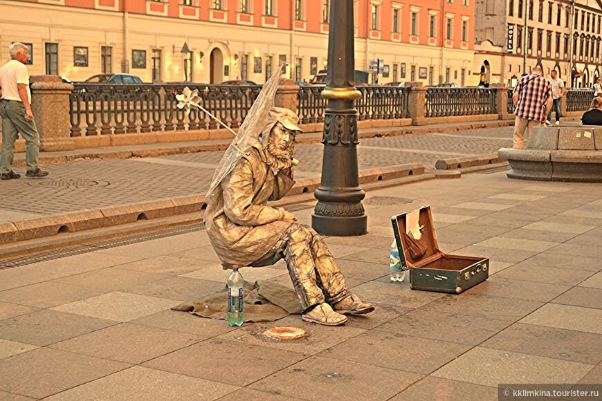 Живая статуя.