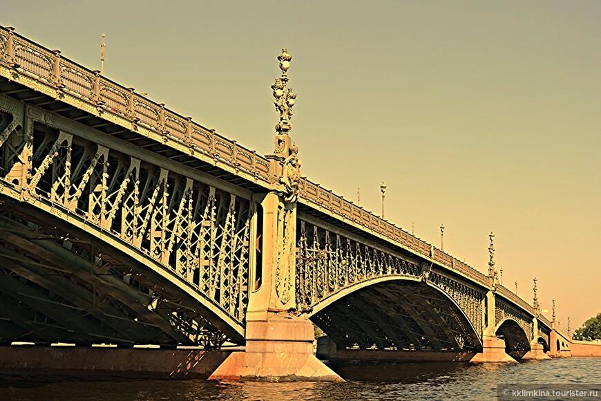 Самый красивый питерский мост.