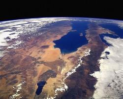 Япония планирует построить лифт в космос
