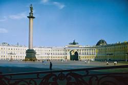 Петербург не будет разрывать отношения с Прагой