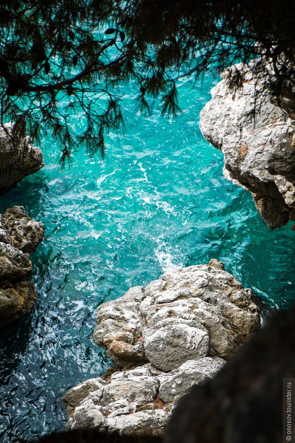 Тут добавить нечего, море в Черногории нереальной красоты!